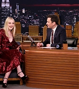 dakota fanning, jimmy fallon, 2018