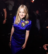 dakota fanning, elle fanning, paris fashion week, miu miu, october 3 2017