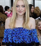 dakota fanning, paris, paris fashion week, valentino, 2018