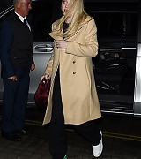 dakota fanning, candid, london, march 28 2018